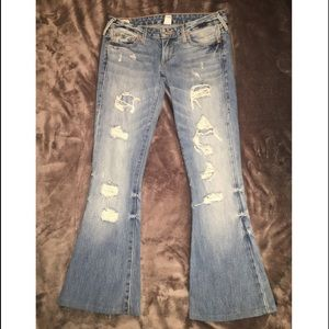 Bell Bottom Fitted Jeans